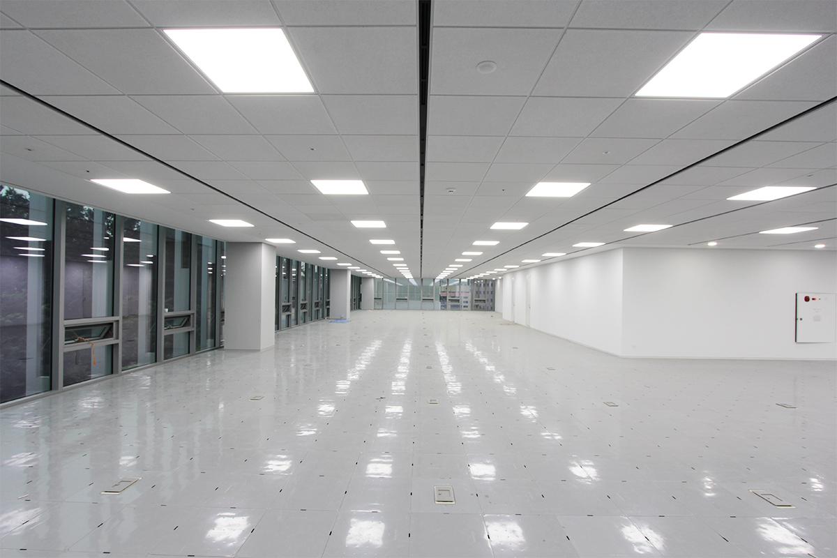 Осветление и аксесоари